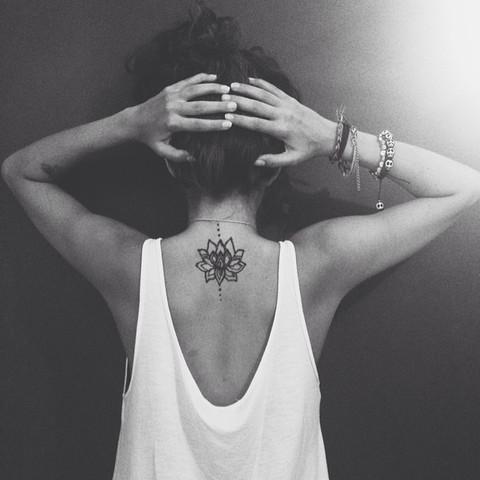 Imagenes Con Disenos De Tatuajes Para Mujeres Ultimas Tendencias - Tatuaje-para-mujeres-en-la-espalda